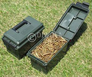MTM Munitionskiste, Größe aussen ca. 19 x 34 x 21,5 cm, innen ca. 15 x 28 x 18 cm. Mit O-Ring im Deckel daduch wasserdicht, mit Vorhängeschloss verschließbar, Farbe grün, Art.-Nr.: AC50C-11